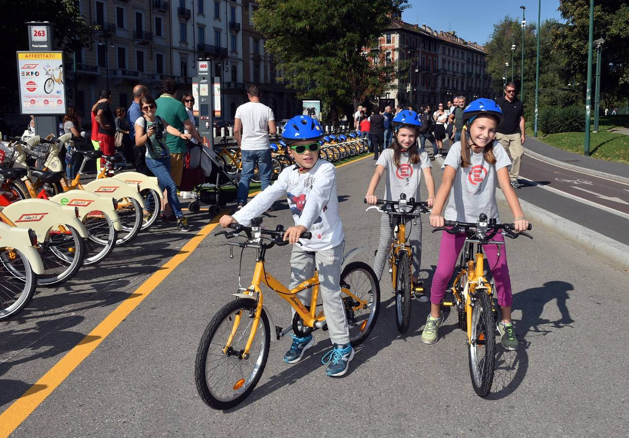Milano arriva il bike sharing per i bambini for Mobile milano bike sharing
