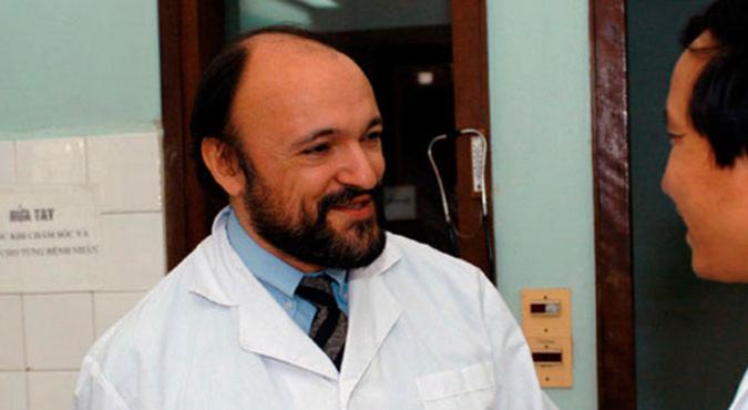 1956: nasce Carlo Urbani, medico italiano. Fu la prima persona a identificare e classificare la Sindrome Respiratoria Acuta Grave (SARS)