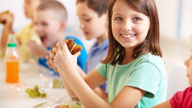 """ultimo rapporto di Save the Children """"(Non)Tutti a mensa!"""""""