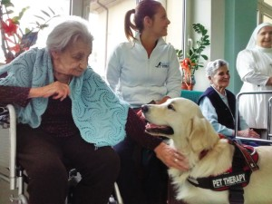 pet therapy in cinque case di riposo