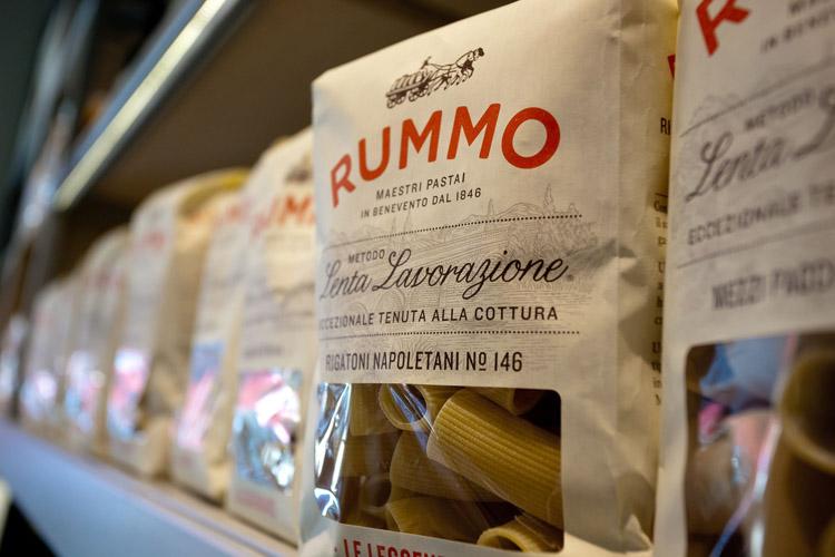 """""""Un pacco di pasta può fare la differenza"""" è lo slogan di #SaveRummo"""
