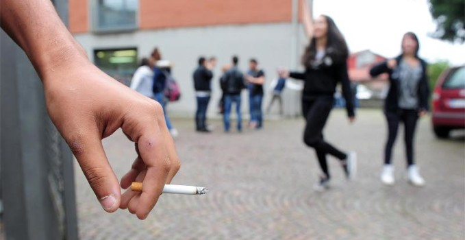 la prima campagna contro i baby fumatori