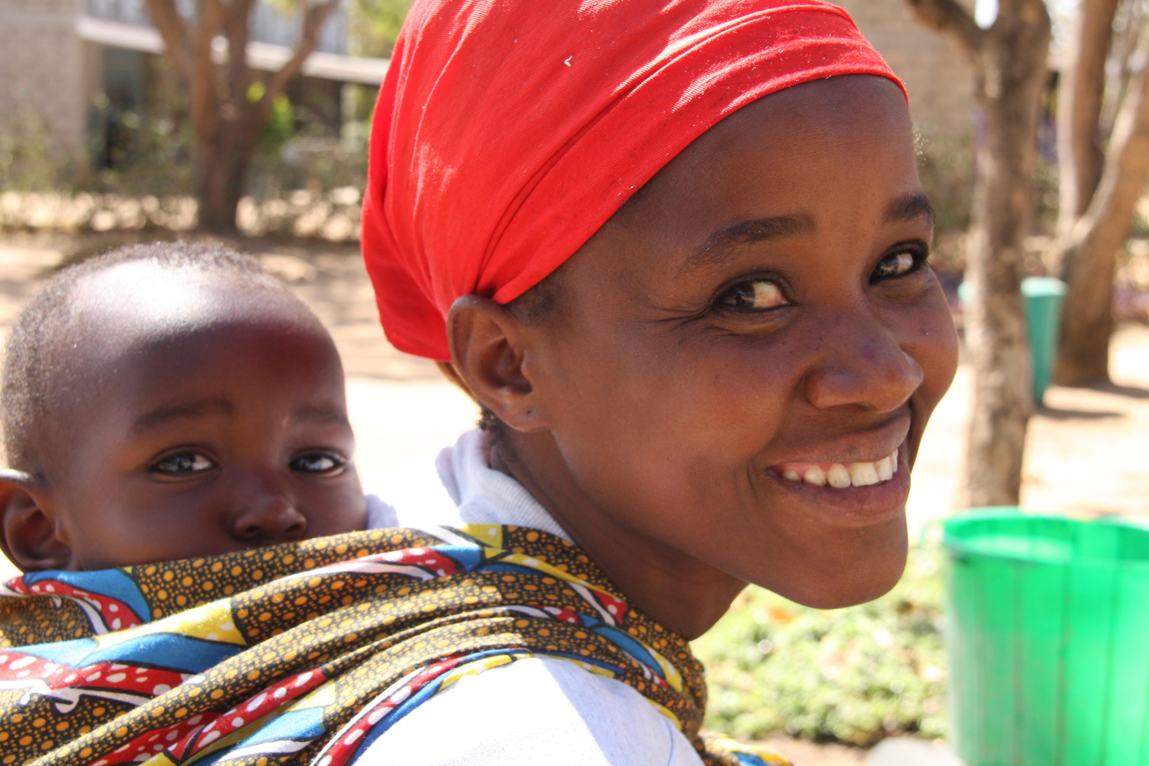mamma e bambino africani