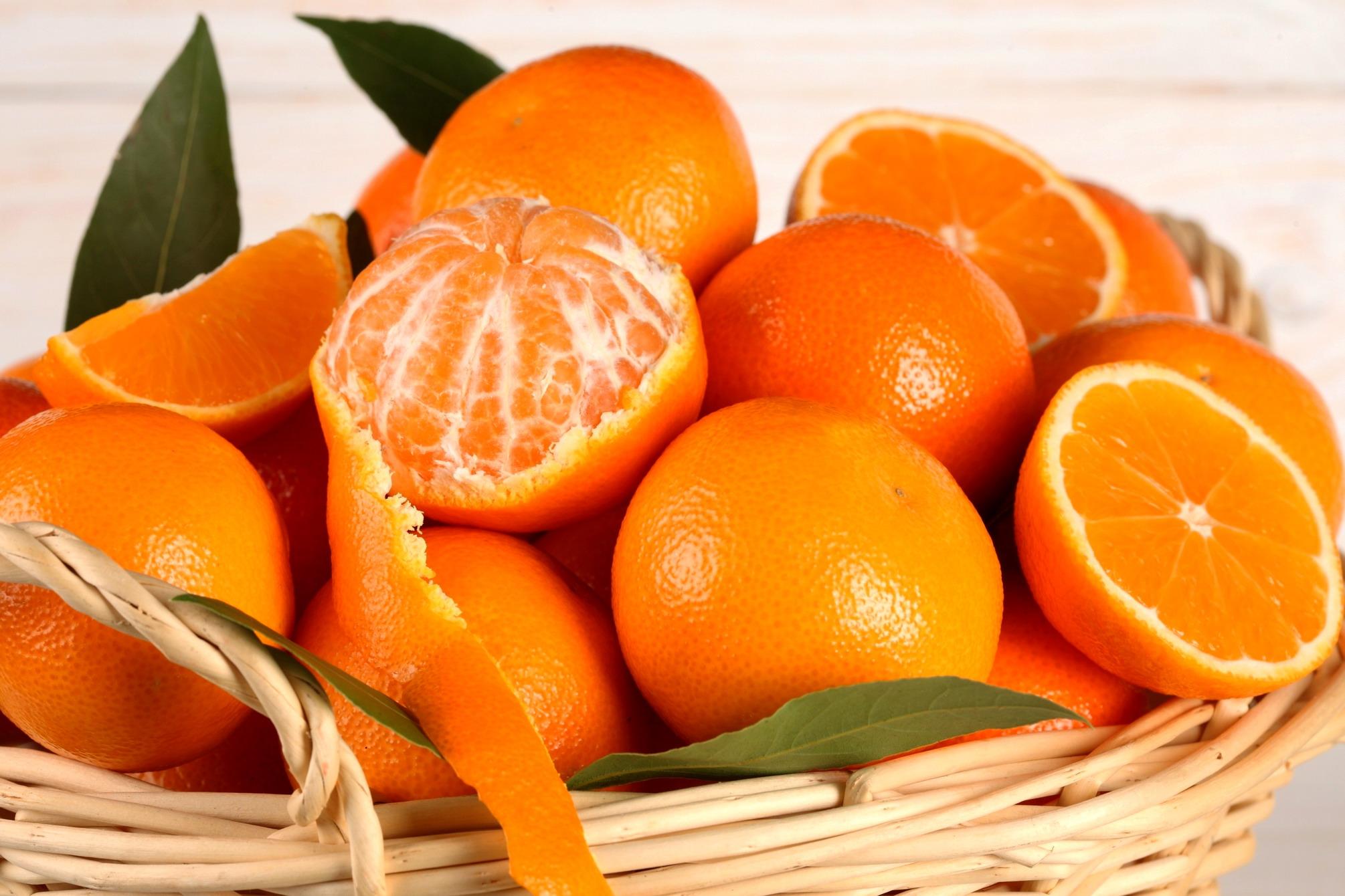 Risultati immagini per mandarini e arance