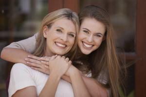 Giovani italiani: più della metà vive con mamma e papà
