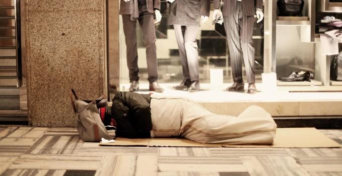persone senza tetto