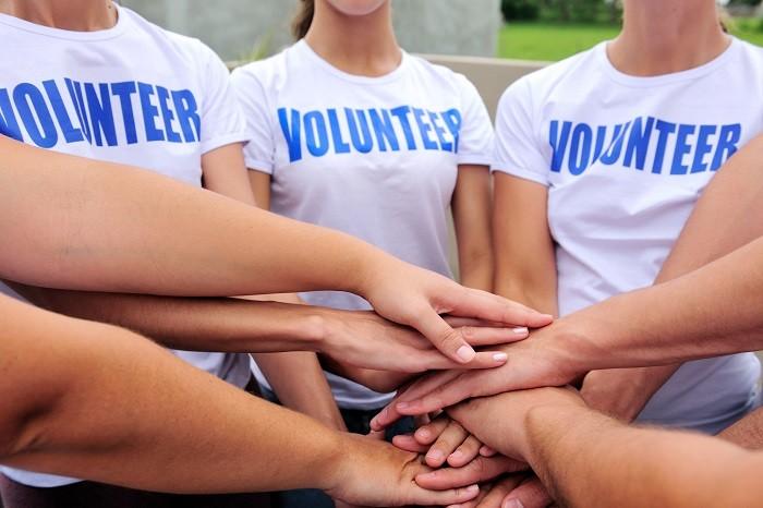 il 5 marzo diventa volontario per un giorno