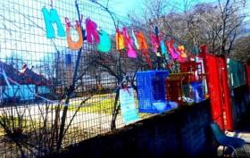 all'asilo nido La Trottola nasce un Muro della gentilezza