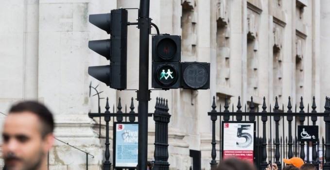 Londra, semafori lgbt