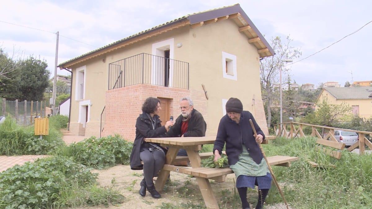 Viaggio alla scoperta delle case di terra cruda felicit for Case di terra
