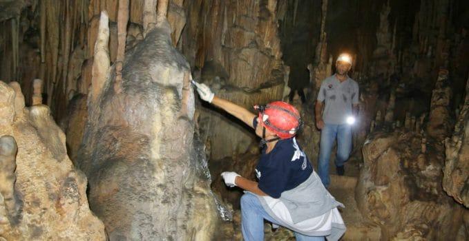 """In difesa di grotte e ipogei arriva """"Puliamo il buio"""""""