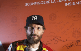 food-right-now-da-jovanotti-a-tom-hanks-le-star-unite-contro-la-fame-nel-mondo