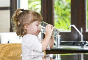 primo decalogo su idratazione e bambini
