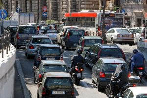 Il traffico sulle strade costa alle aziende 560 milioni di euro