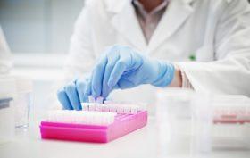 Ricerca sul cancro: 102 milioni per 5.000 ricercatori