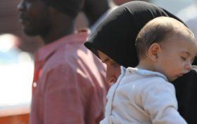 donna e bambino esclusione